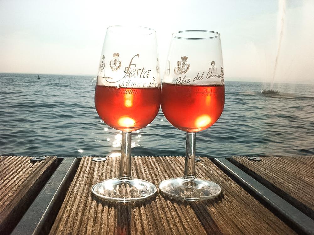 Dass alljährliche Weinfest in Bardolino am Gardasee ist ein herrlicher TIpp für alle, die im Herbst noch etwas la dolce vita genießen möchten.