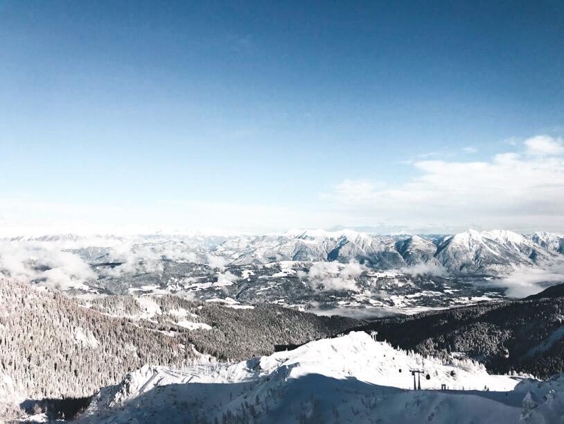 Traumhafte Panoramen beim Skifahren im Nassfeld