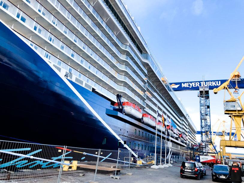 Auslieferung der neuen Mein Schiff 1